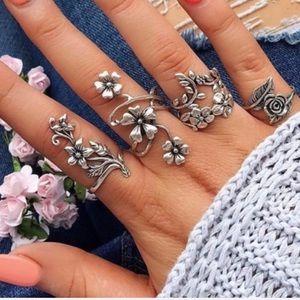 Jewelry - Last set! Best seller! Punk floral midi ring set